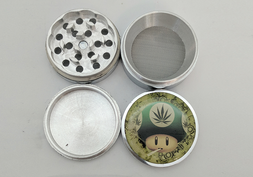 Top 7 Cannabis Holiday Gift Ideas - Grinders